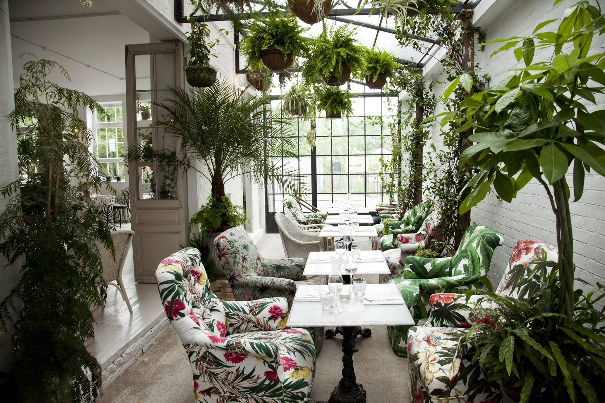 Restaurant Find: Bourne & Hollingsworth Buildings
