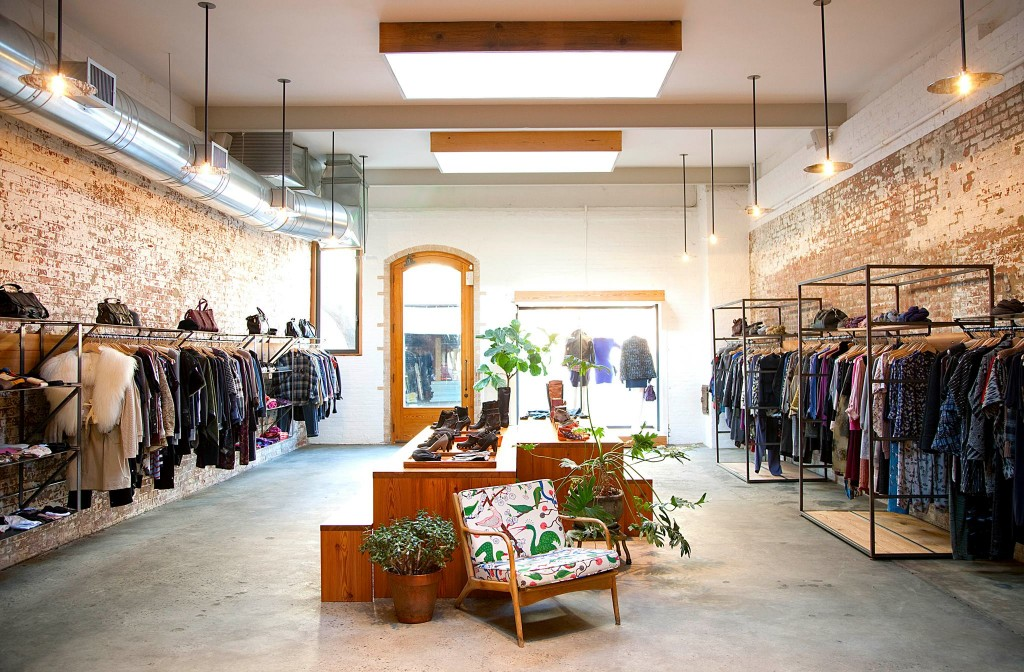 Mar 29,  · The Last Great Clothing Store. Open since , Boyds fights back against e-commerce and the rise of the Supreme hoodie with extra-personal service and fancy new designer labels.